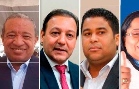 Amado de la Cruz, alcalde de Hato Mayor, Abel Martínez, alcalde de Santiago, Franklin Rodríguez, senador electo de San Cristóbal, y Zaida Polanco, diputada electa de Valverde (fallecida).